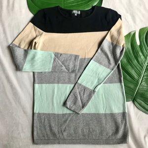 MARKET &SPRUCE  classic 💯 cotton sweater. Small.